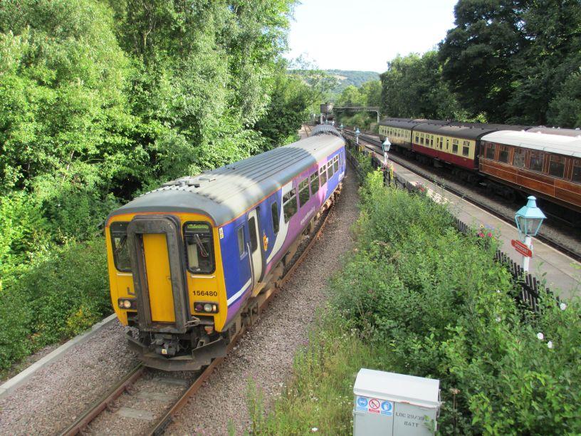 Class 156 super sprinter dmu metro cammell multiple unit images photos pictures photographs - Carrage metro ...