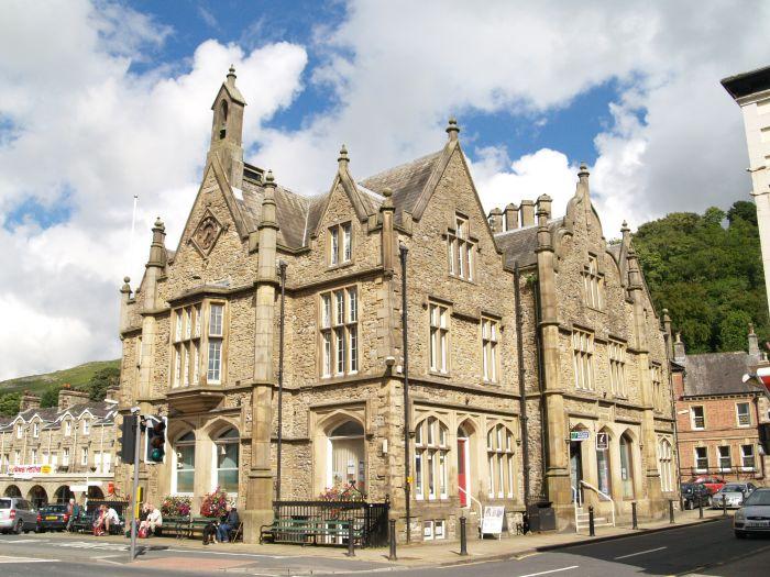famous limestone buildings - 700×525