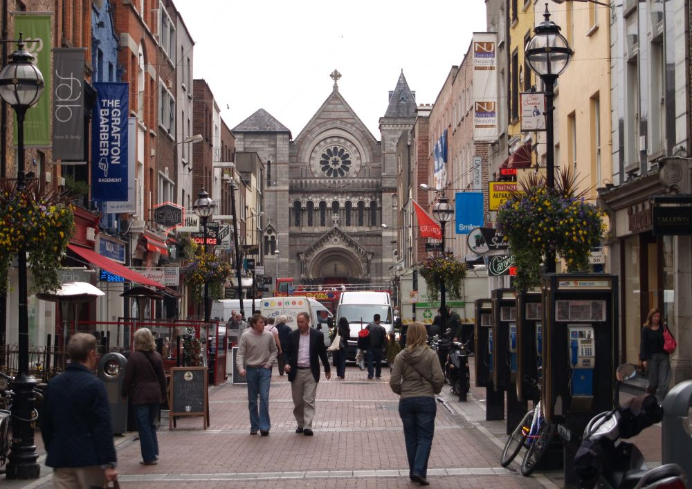grafton street shopping district