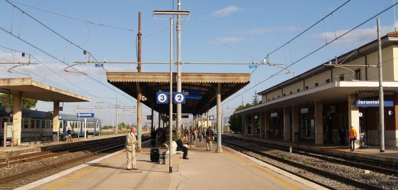 arezzo chiusi italy train - photo#11