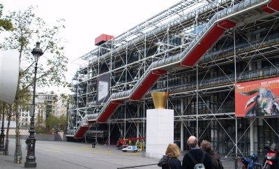 le centre georges pompidou high tech architektur centre. Black Bedroom Furniture Sets. Home Design Ideas