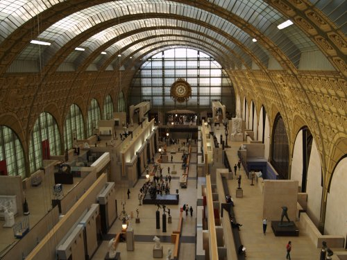 The central hall Musėe d'Orsay, once a railway station, the Gare d'Orsay before its transformation in 1986.