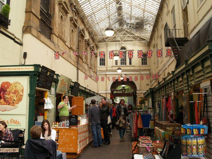 Bristol 8 st nicholas market old city area england for Classic house bristol