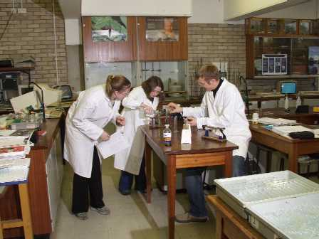 Year 13 A2 Advanced Level Salters Chemistry Students at Whitby Community College Year 13 January 2002